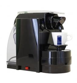 фото: Кофемашина капсульная Lavazza Blue Espresso del Capitano 1000 Вт, черная